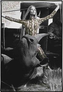 veruschka von lehndorf roping rhinos for eventual release at darajani, tsavo park by peter beard