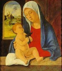 madonna col bambino, che tiene in mano un uccellino by marco basaiti