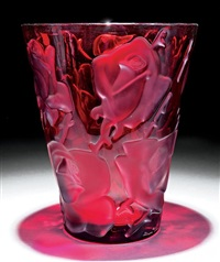 ispahan red crystal vase by rené lalique