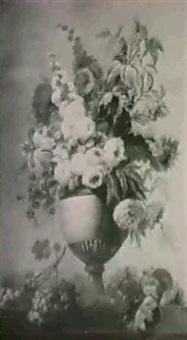 vase a decor de feuilles d'acanthe fleuri de roses, pivoineset chevrefeuille, pose sur un entablement (2) by adèle riché