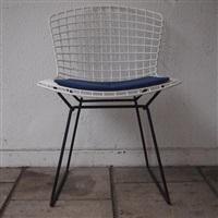 4 chaises, modèle whyre (set of 4) by harry bertoia