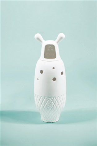 showtime vase 5 white by jaime hayon