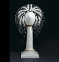 epis' a frosted glass table lamp, model introduced 1919 by rené lalique