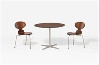 ant - 3100 table et sa paire de chaises by arne jacobsen