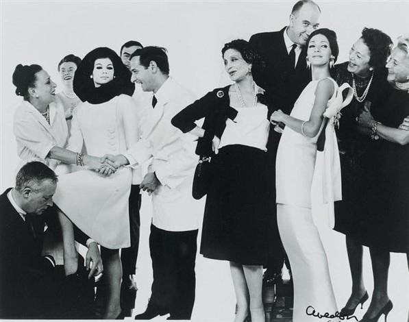 mannequins et personnel de la maison de haute couture dior by richard avedon