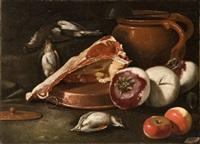 bistecca, mele, rape, cacciagione di penna e vaso di coccio con mestolo, su un tavolo by cristoforo munari