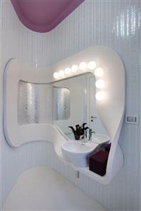 specchiera da trucco per modelle con lavabo by fabio novembre