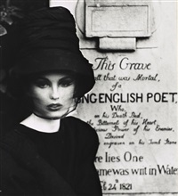 dorothy au tombeau de keats, rome (pour vogue) by william klein