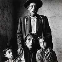 gypsy family (extremadura, spain) by irving penn