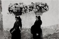 femmes aux fleurs, portugal by edouard boubat