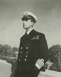 lord louis mountbatten - commandant en chef de l'asie du sud-est. janvier by cecil beaton