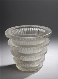 vase chevreuse by rené lalique