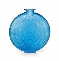 escargot vase, no. 931 by rené lalique