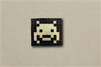 kit d'invasion - ik.15 glow in the space by invader