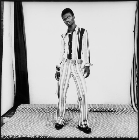 en position by malick sidibé