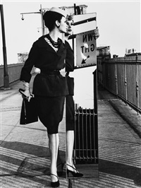 mirror, brooklyn bridge by william klein