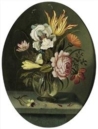 blumenstrauß mit tulpen, einer rose und anderen blüten sowie einem zitronenfalter in einer gläsernen vase by abraham bosschaert