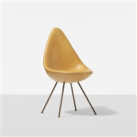drop chair from the sas royal hotel by arne jacobsen