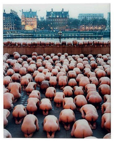 london 2 the saatchi gallery by spencer tunick
