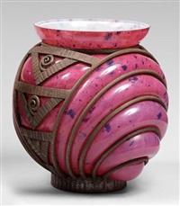 important vase boule by daum and louis majorelle