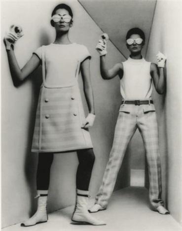 courrèges mini-robe et pantalon, mars by william klein