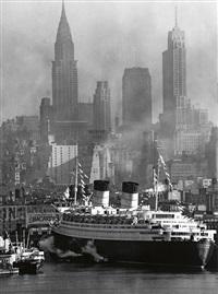 queen elizabeth in new york harbor by andreas feininger
