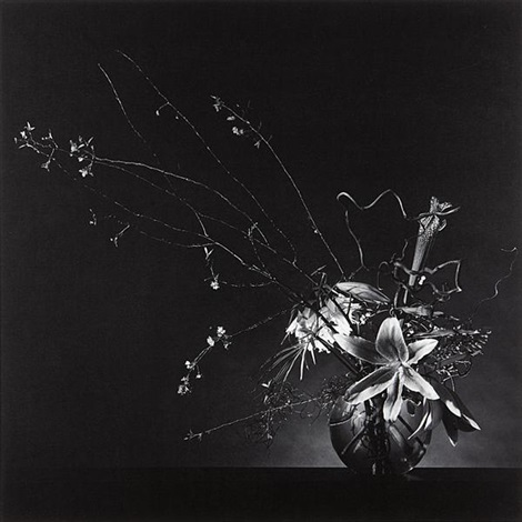 flower arrangement by robert mapplethorpe