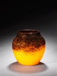 vase by monart