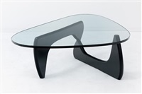 table basse modèle in 50 by isamu noguchi