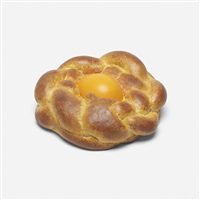 bread with egg by jeff koons