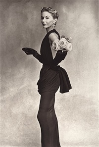 lisa fonssagrives-penn (woman with roses on her arm) by irving penn