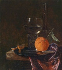 stillleben mit einem gefüllten römer und einer orange auf einem zinnteller by juriaen van streeck