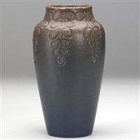 vase by william e. hentschel