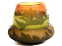 vase von émile gallé mit eichenlaubdekor by émile gallé