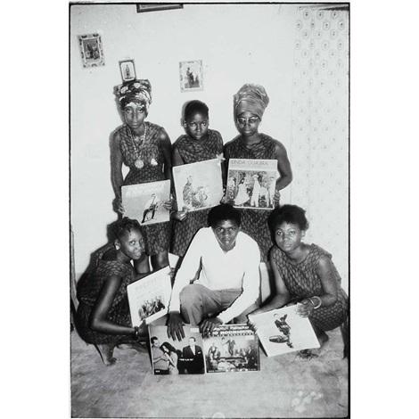 les amoureux de disques by malick sidibé