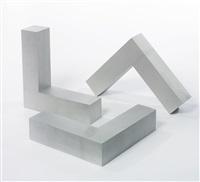 untitled (l-beams) (in 3 parts) by robert morris