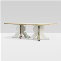 urn-base dining table by robert venturi