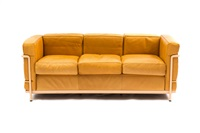 dreiersofa lc 2 by le corbusier, charlotte perriand and pierre jeanneret