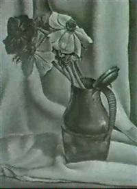 stilleben. anemonen im zinnkrug by guido locca