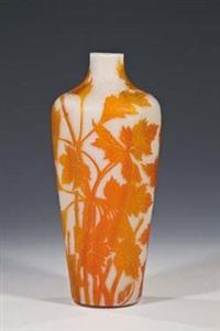 vase mit ahornzweigen by beckmann & weis