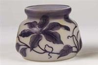 vase mit clematis by beckmann & weis