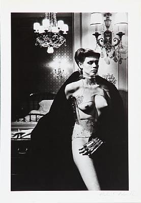jane kirby - avenue kléber, paris 1977 by helmut newton