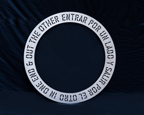 in one end entrar por un lado in 3 parts by lawrence weiner
