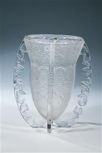seltene vase ''papillons'' by rené lalique