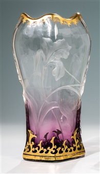vase mit iris by gräfliche harrach'sche glasfabrik (co.)
