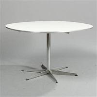 super circular table (model a704) by arne jacobsen