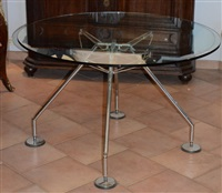 table techno by norman foster