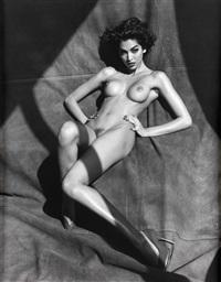 vanessa arevalo, posing lying by sante d'orazio