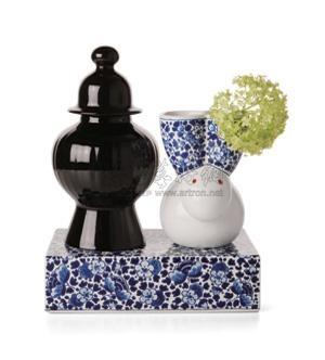 delft blue vase no.9 set by marcel wanders