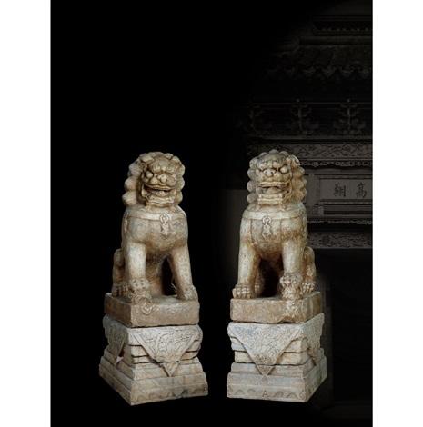 明·汉白玉镇宅狮一对<br><br>ming dynasty a pair of white marble 'lion' gate guards<br/>102×72×225cm<br/><br><br>